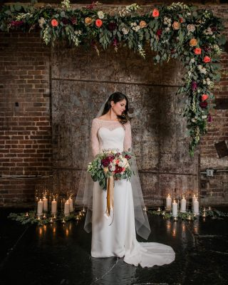 Oh so pretty bride and beautiful florals by @stylishstemsatl!  #eatdrinkandbepicchierri  #atlantaweddings #weddingflorist