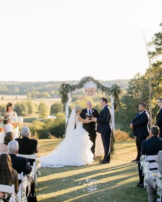 Bride and groom saying their vows at @foxhallresort !  #atlantaweddings #atlantaweddingphotographer #jonathanandkaye #southernweddings
